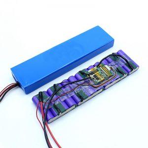 Fabrikpreis kundenspezifisch 18650 36 Volt Batterie Lithium-Ionen 36V Batteriepack